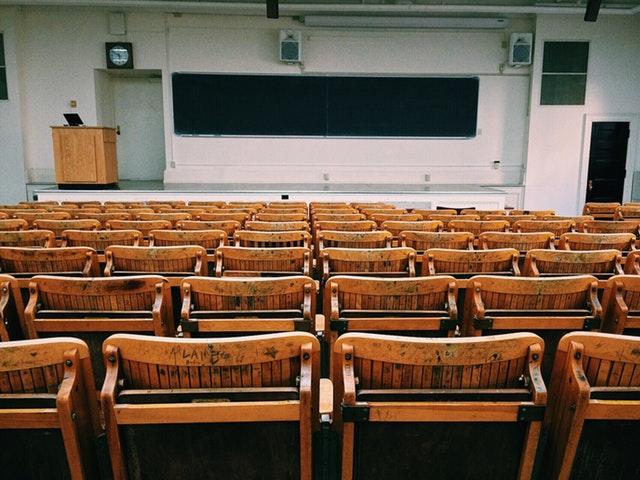 Yliopisto-opiskeluissa keskitytään luentoihin